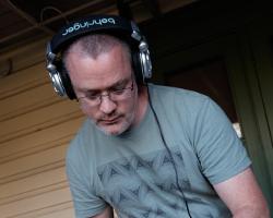 Ausdance Summer Picnic 2020 - Ainslie + Gorman Arts Centre - DJ Nigel Gentry